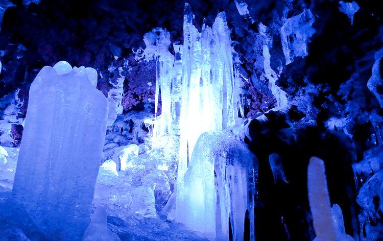 鳴沢氷穴(イメージ)
