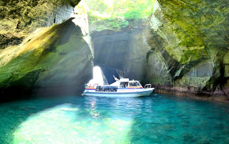 堂ヶ島洞くつめぐり遊覧船(イメージ)