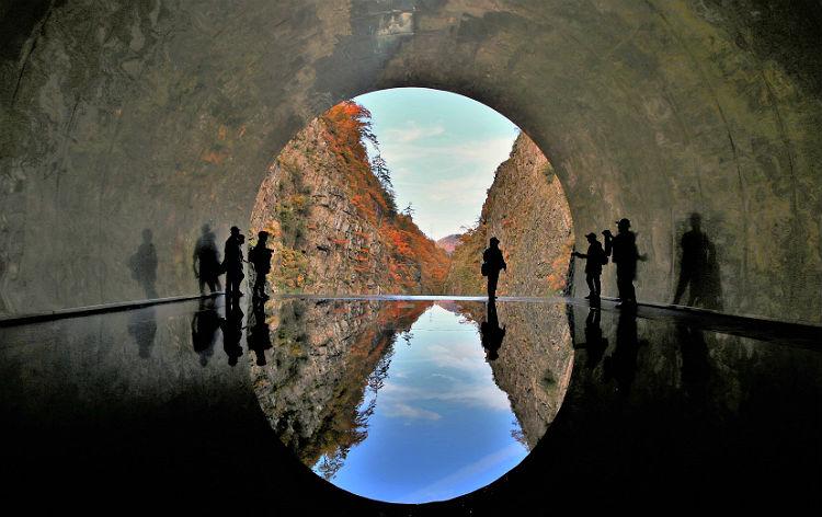 清津峡渓谷トンネル(イメージ)