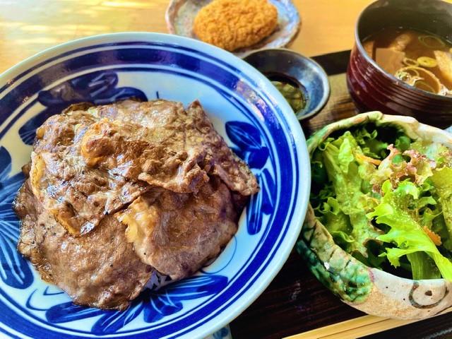 名産飛騨牛焼肉丼ランチ(一人前/イメージ)