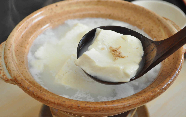 温泉湯豆腐の夕食(イメージ)